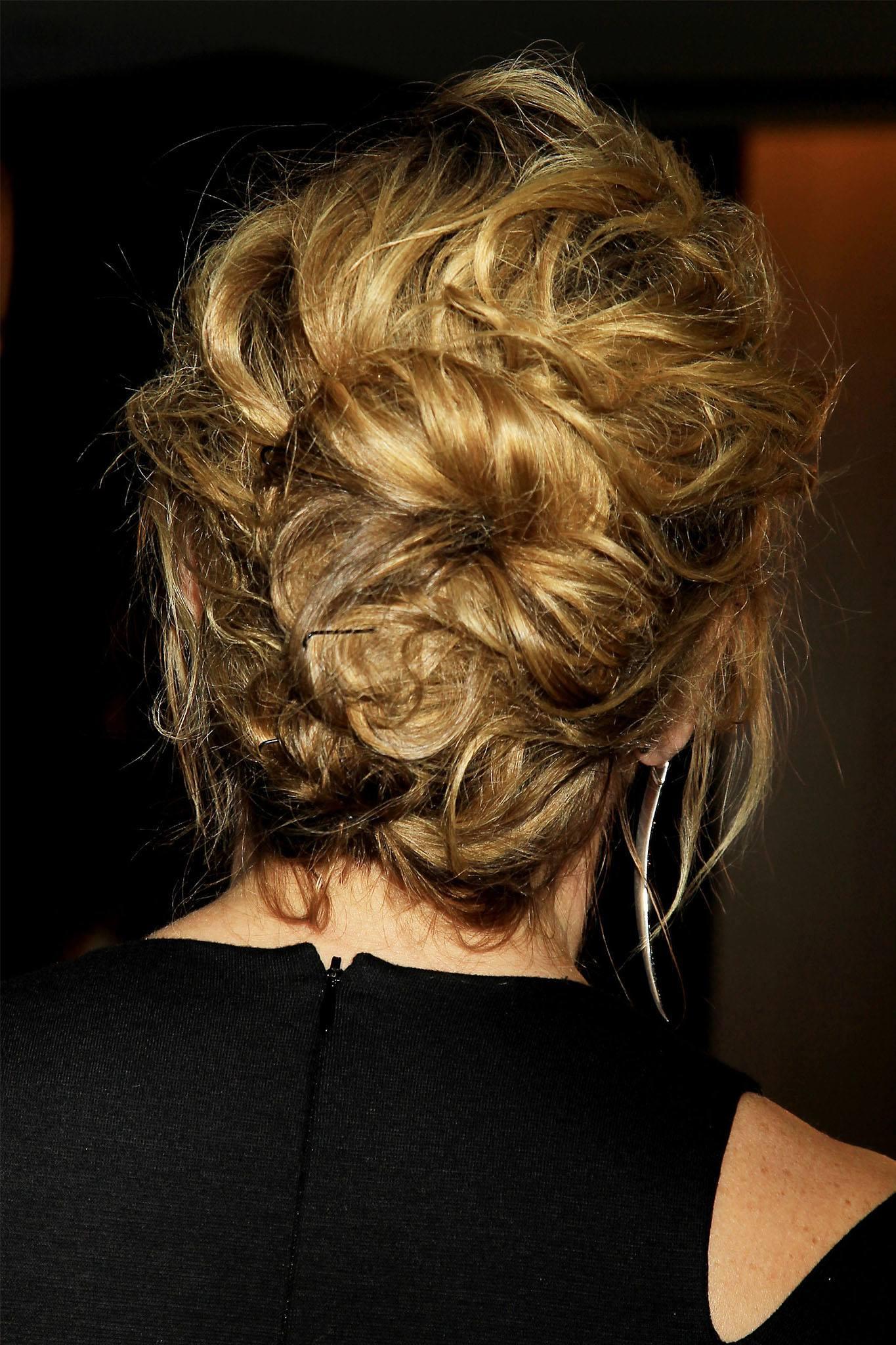 peinado recogido con textura