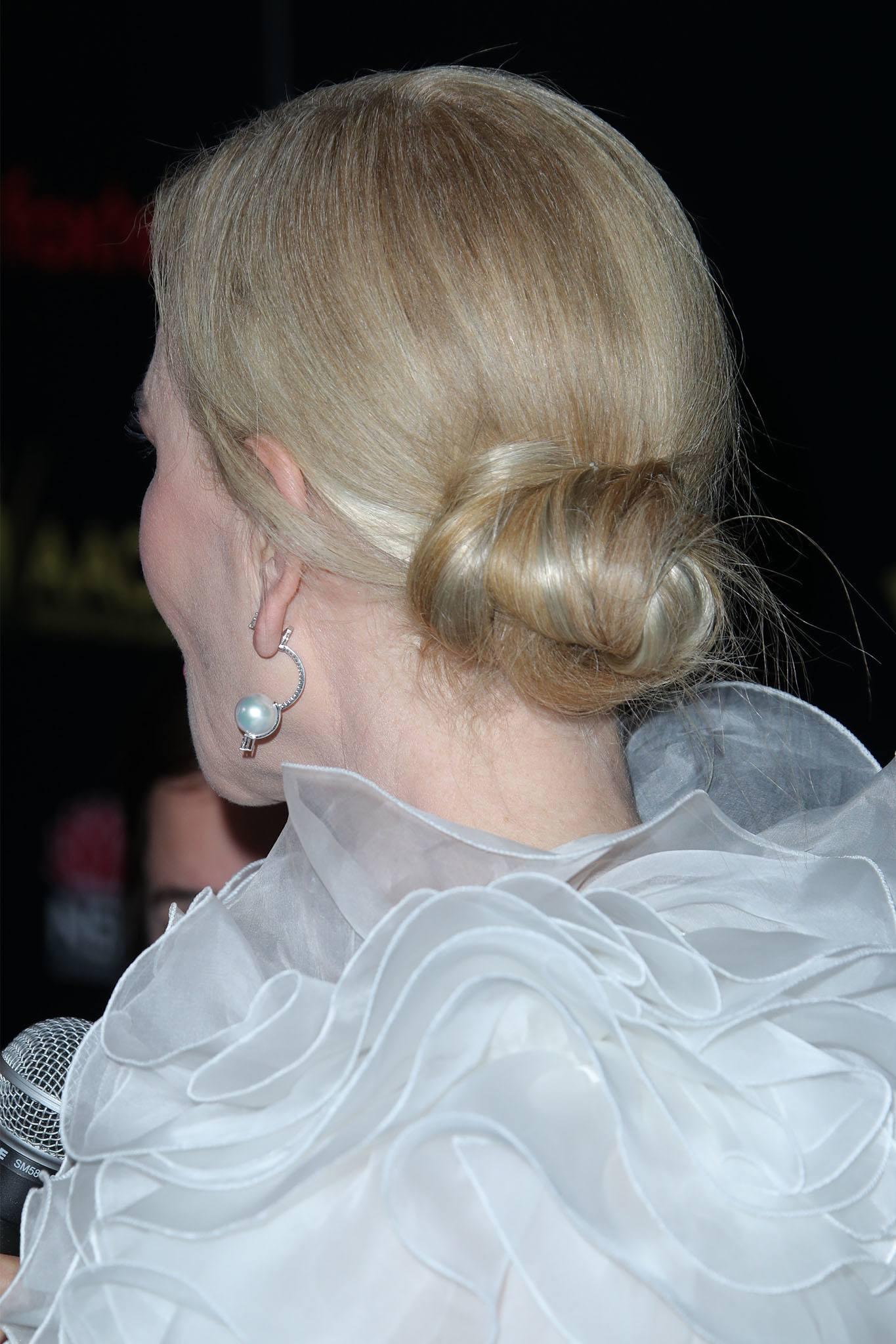 Nicole Kidman con rodete bajo