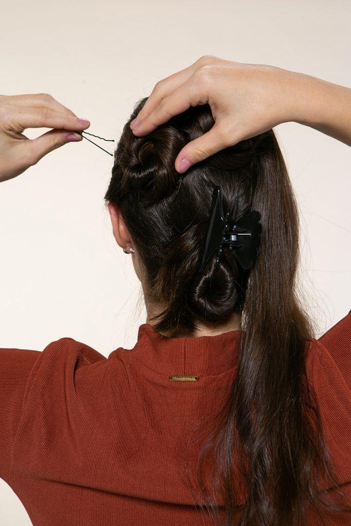 Peinado con rodetes