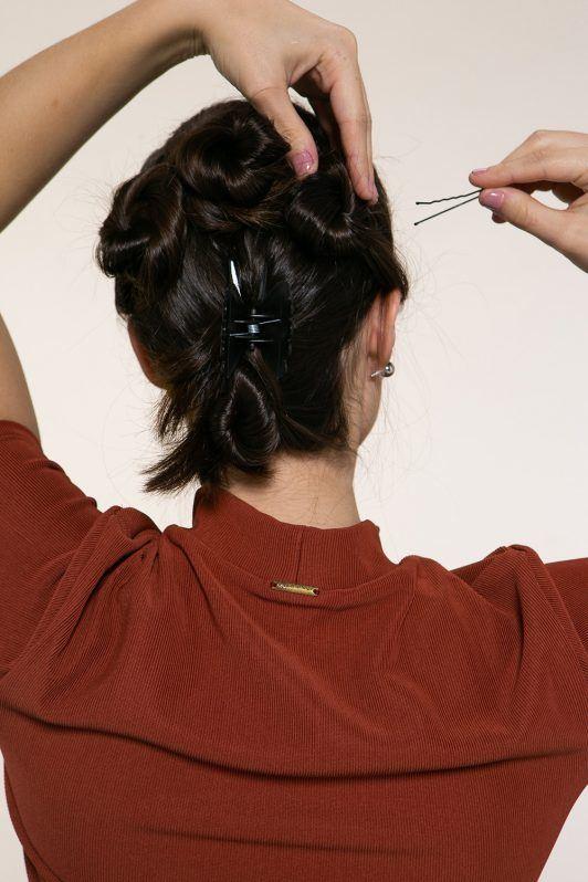 peinado semi recogido con rodetes
