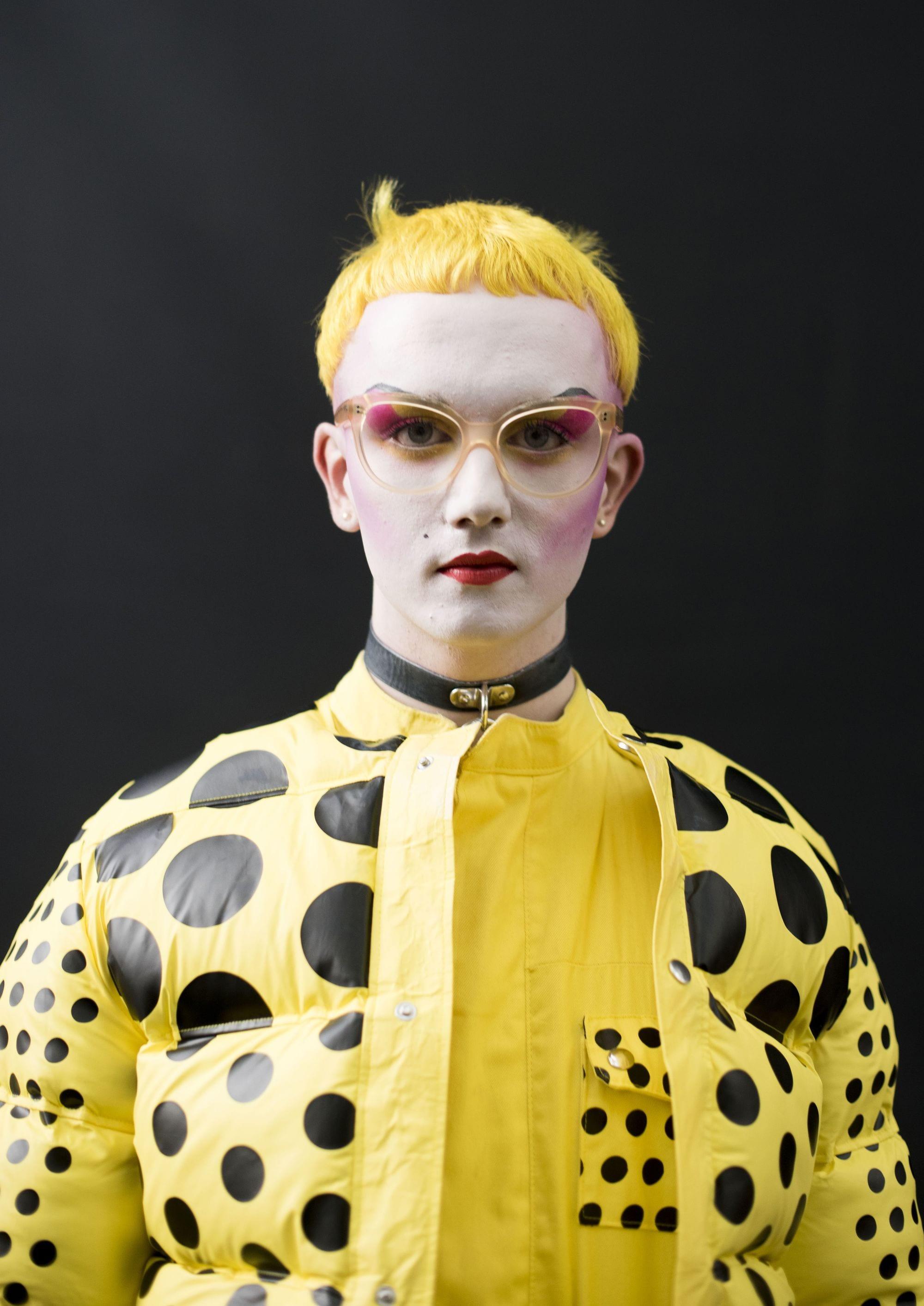 pixie en Pelo Amarillo