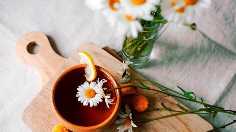 té de manzanilla para el pelo