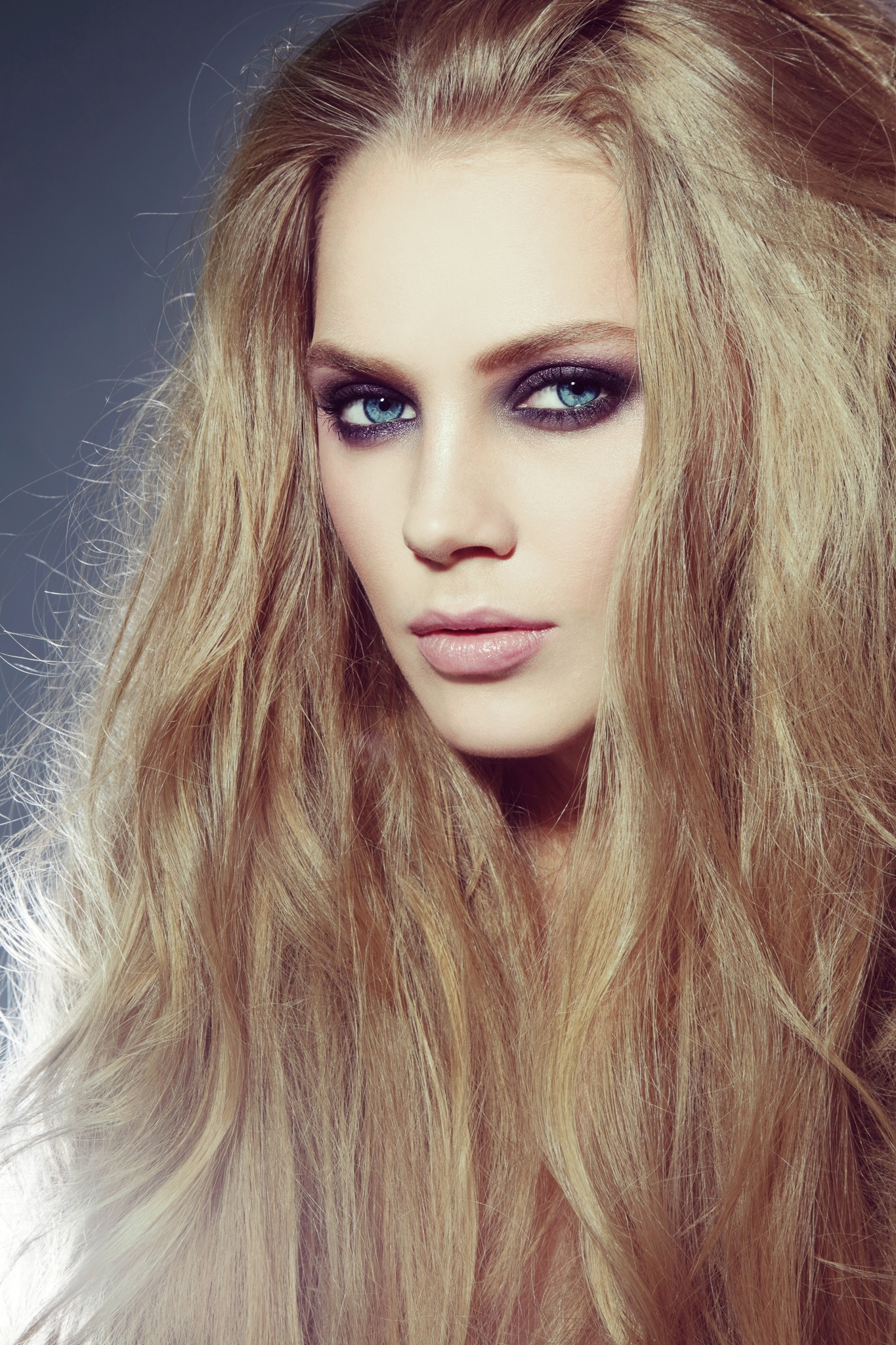 15 Super Quick and Easy Hairstyles for Oily Hair in 2020 ...