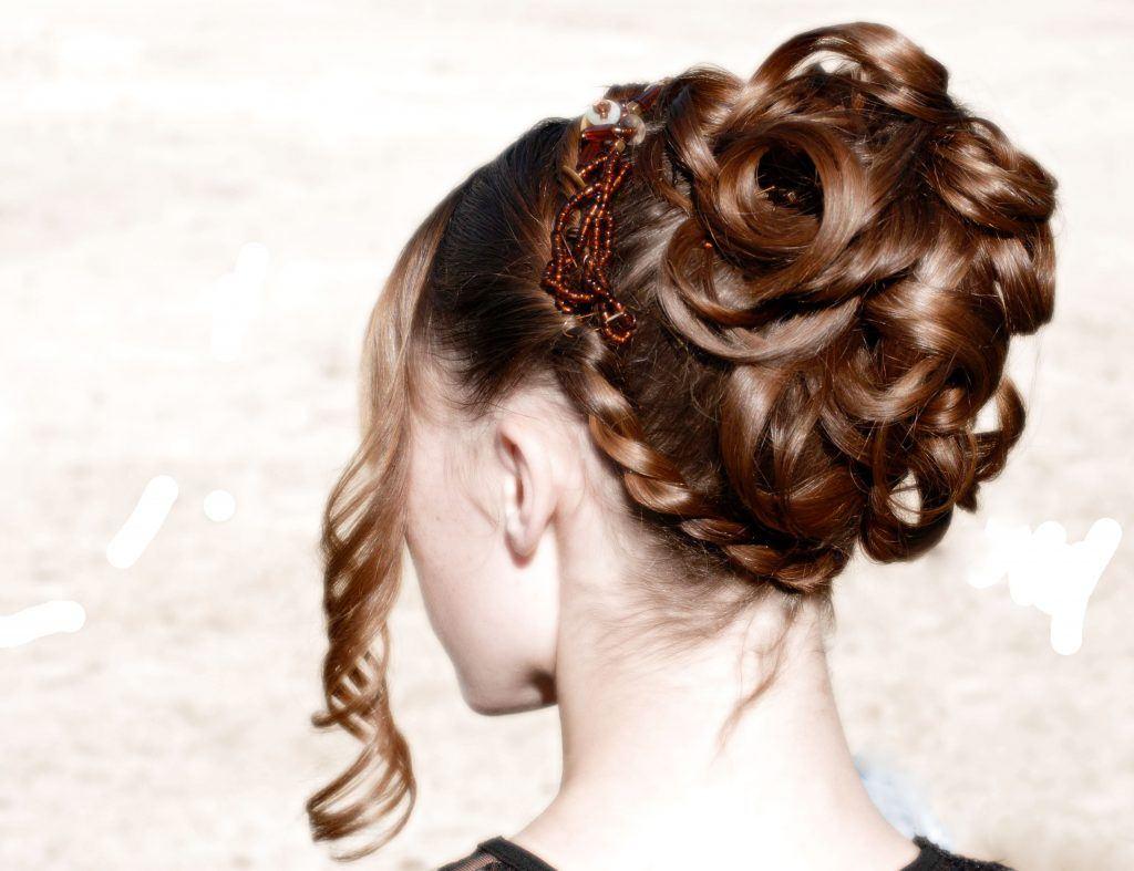 Daphne Bridgerton inspired hairstyle