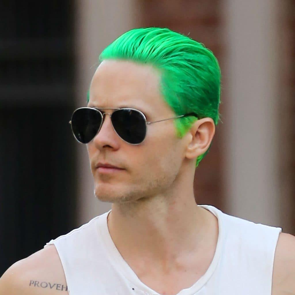 Jared Leto con cabello verde