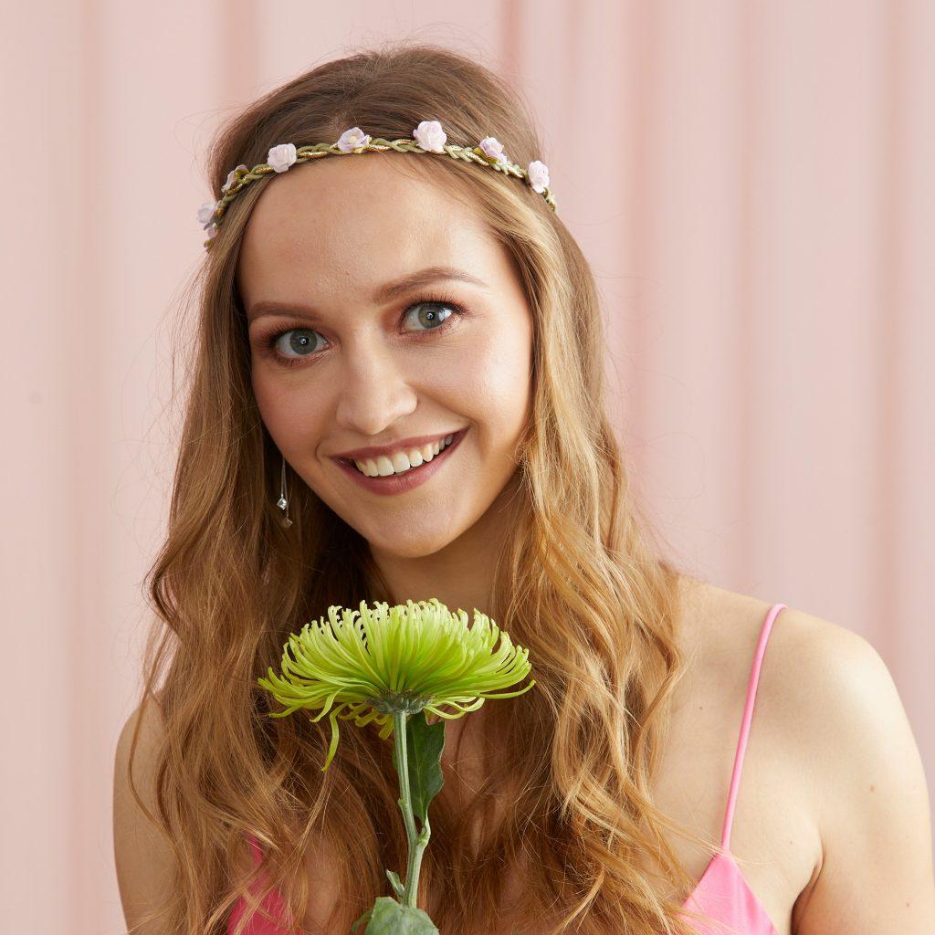 Creativo peinados de damas de honor Imagen De Consejos De Color De Pelo - Peinados para damas de honor: 10 ideas para lucir en una ...