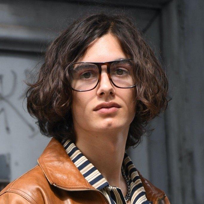 Corte de pelo para hombres jóvenes estilo bob masculino