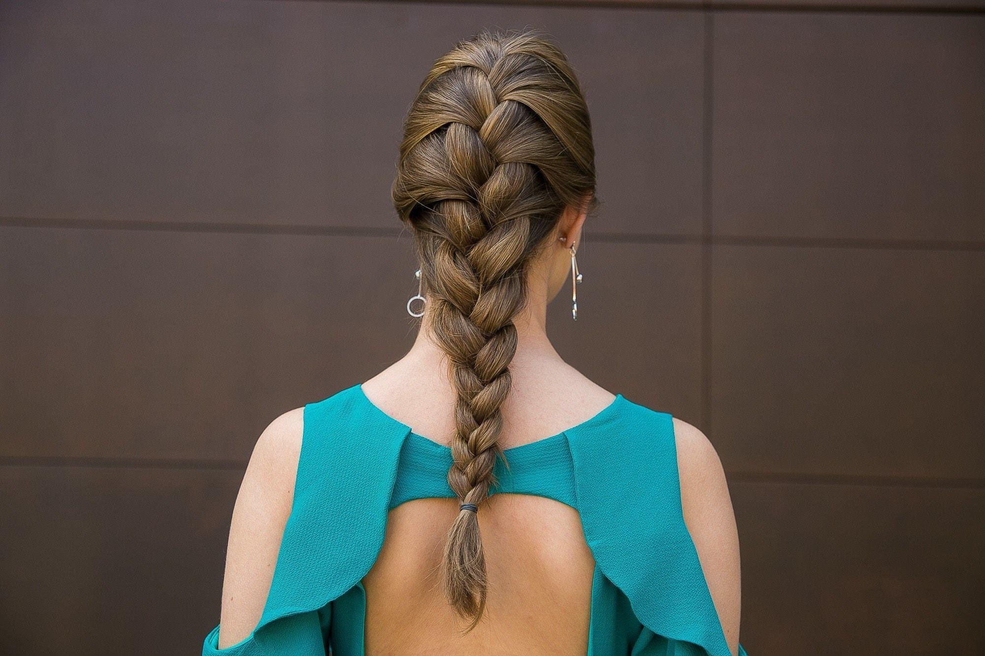 Penteado trança embutida simples