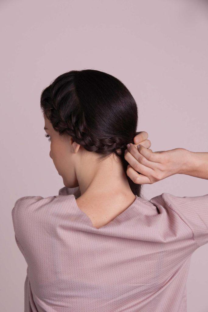 modelo de tiara de trança passo 04
