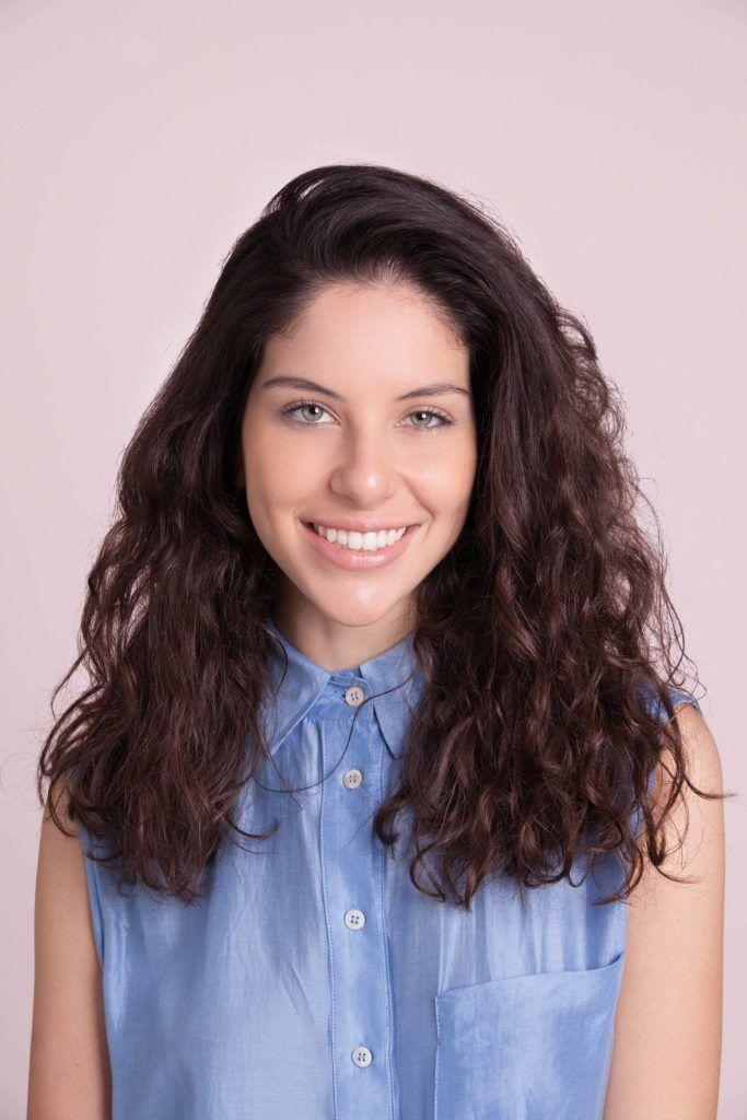 shampoo seco em cabelo cacheado longo