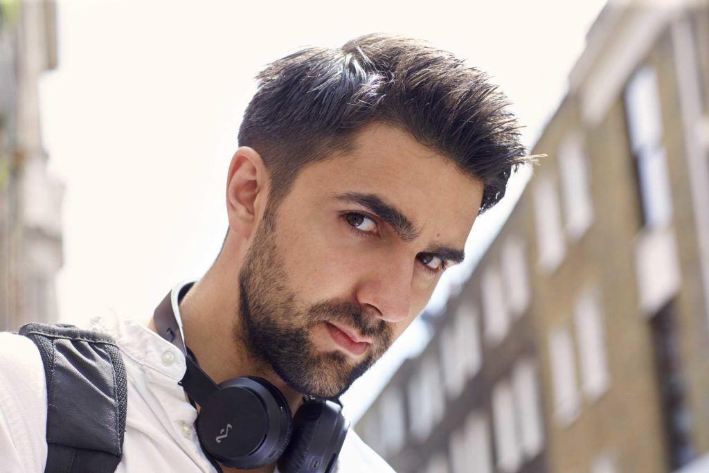 modelo de cabelo e barba, fade na barba e no cabelo