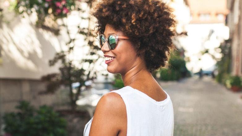 modelo com cabelo curto: como fazer fitagem no cabelo