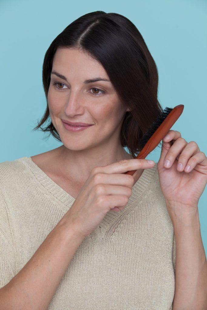 coque em cabelo curto 1 passo