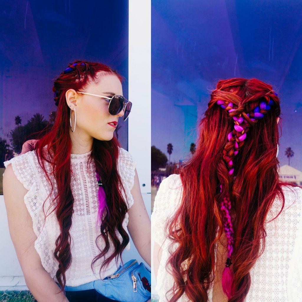 Modelo com cabelos ruivos longos e penteado semipreso com trança