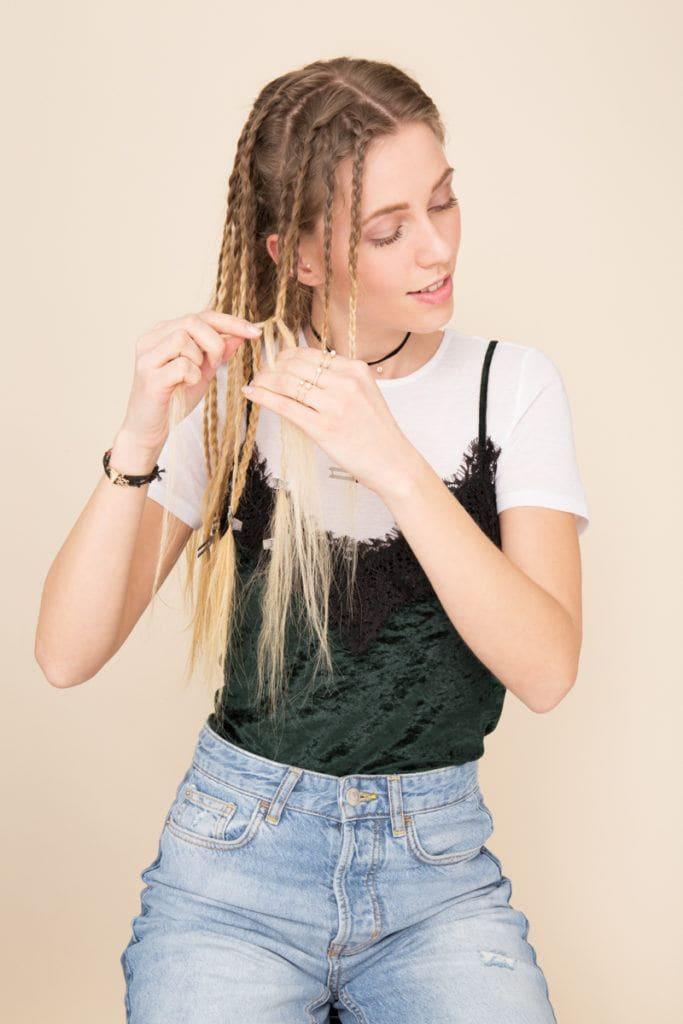 modelo de cabelo frisado passo 3