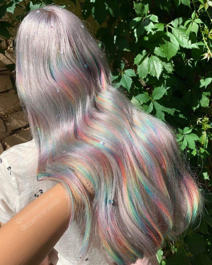 mulher com glitch hair ondulado longo