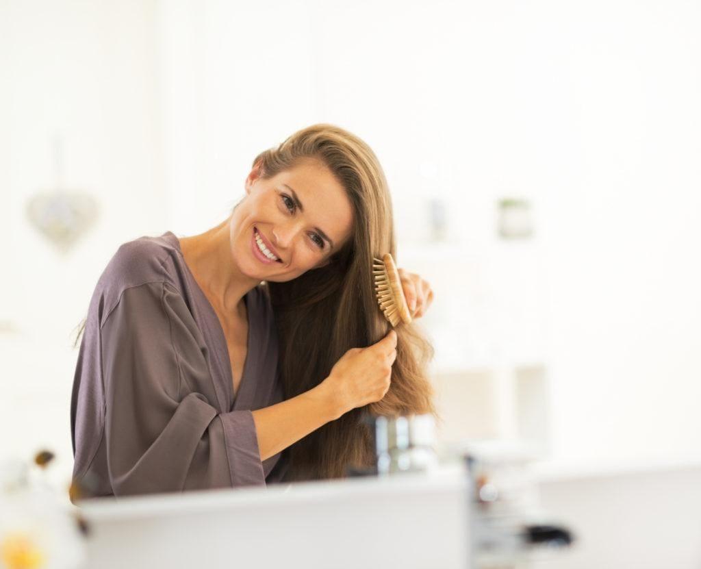 modelo de Couro cabeludo descamando pós-progressiva