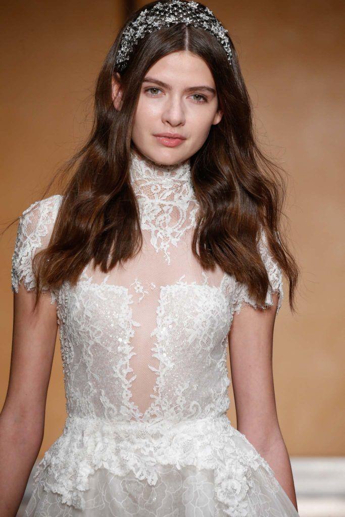 modelo de Penteados de noiva com cabelo solto