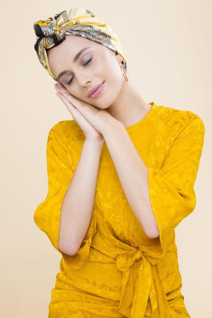 modelo de cabelo ondulado durante a noite passo 5