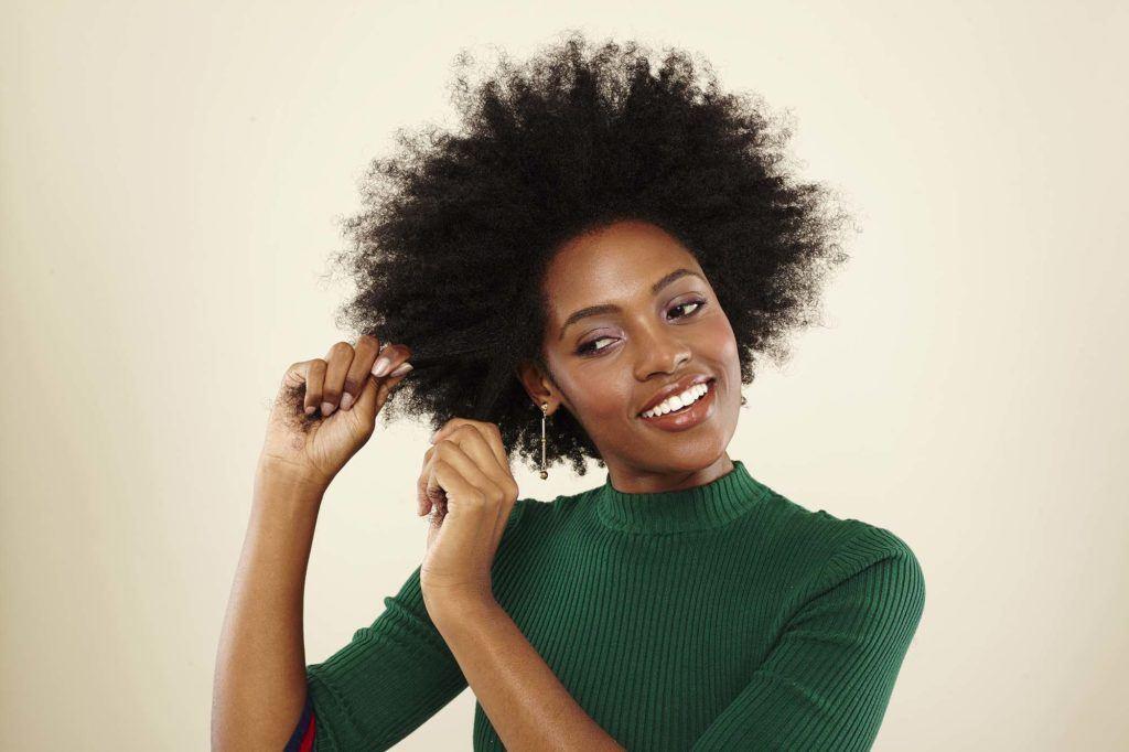 modelo de como cachear cabelo crespo