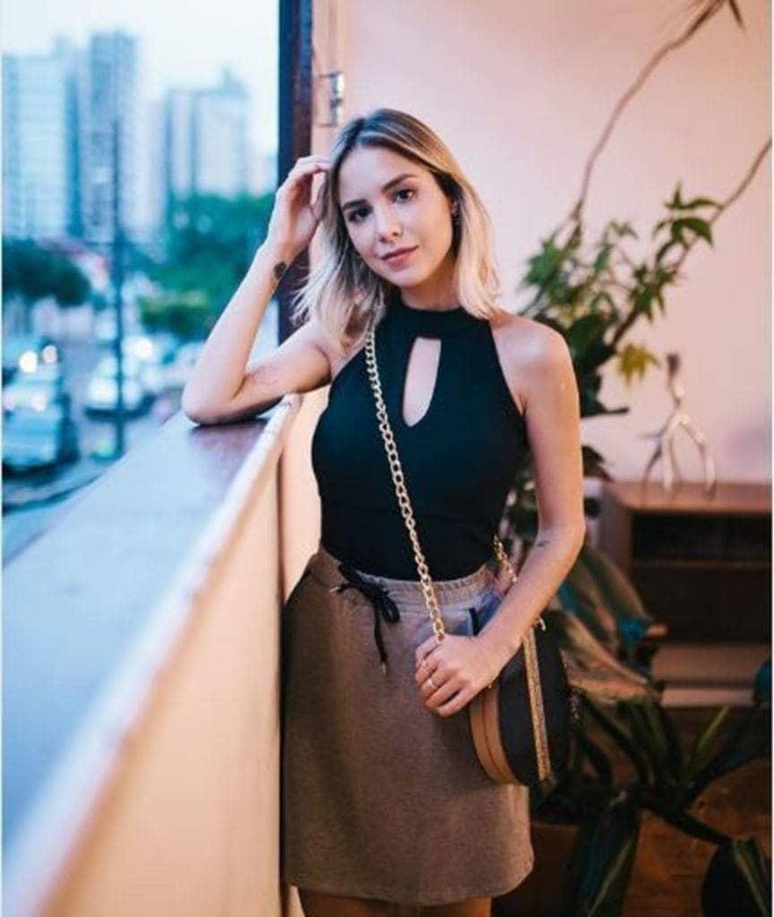 modelo de Luisa Acoorsi