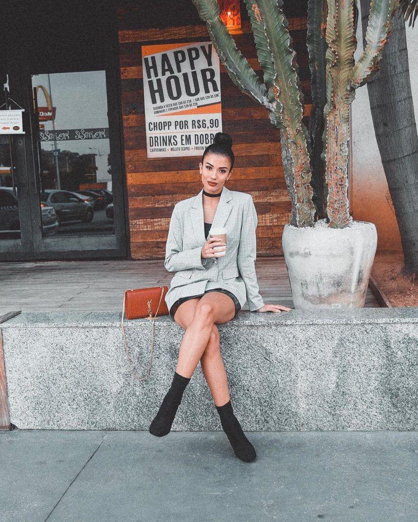 Thalita Ferraz com coque alto