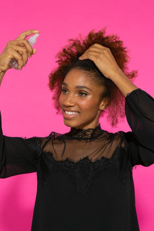 Preparação de cabelo afro com frente chapada