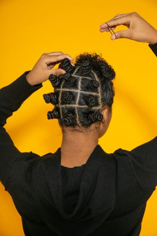 Preparando coquinhos no cabelo crespo