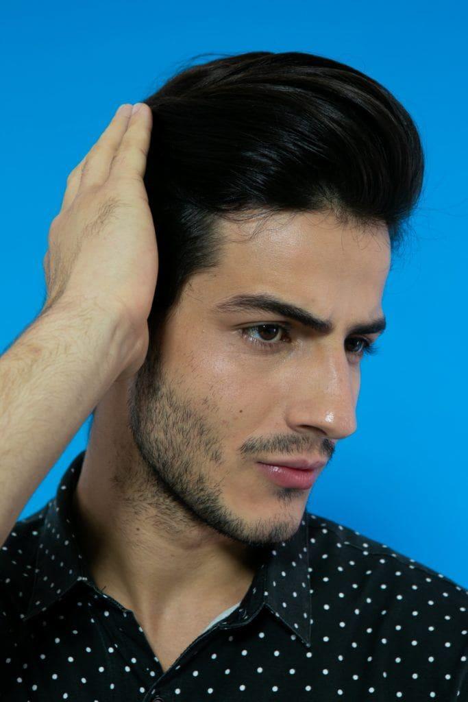 modelo masculino com topete