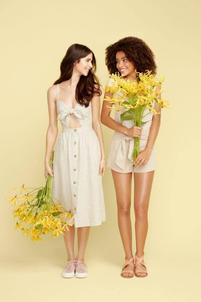 Modelos com flores para Love Beauty and Planet