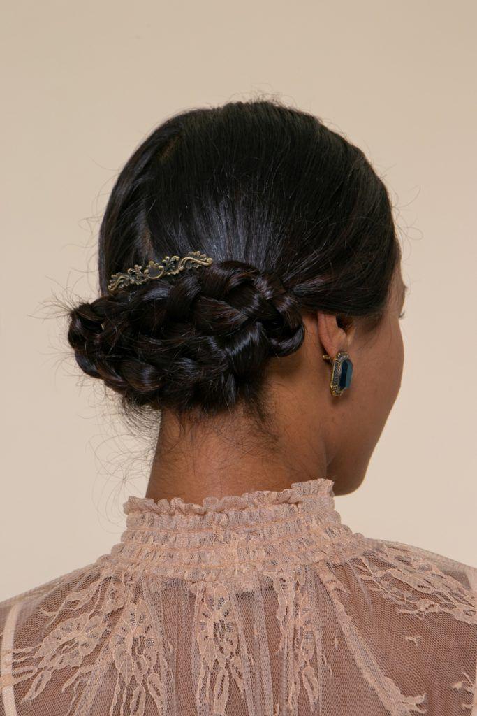 penteado de noiva preso cruzado com acessório