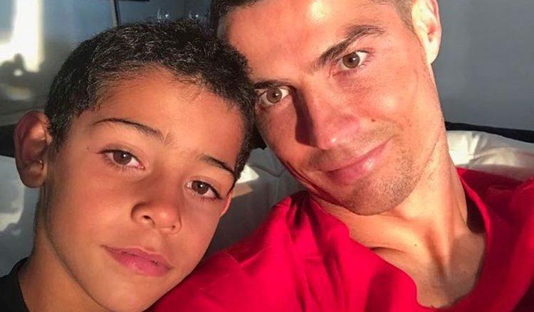 Cristiano Ronaldo com seu filho