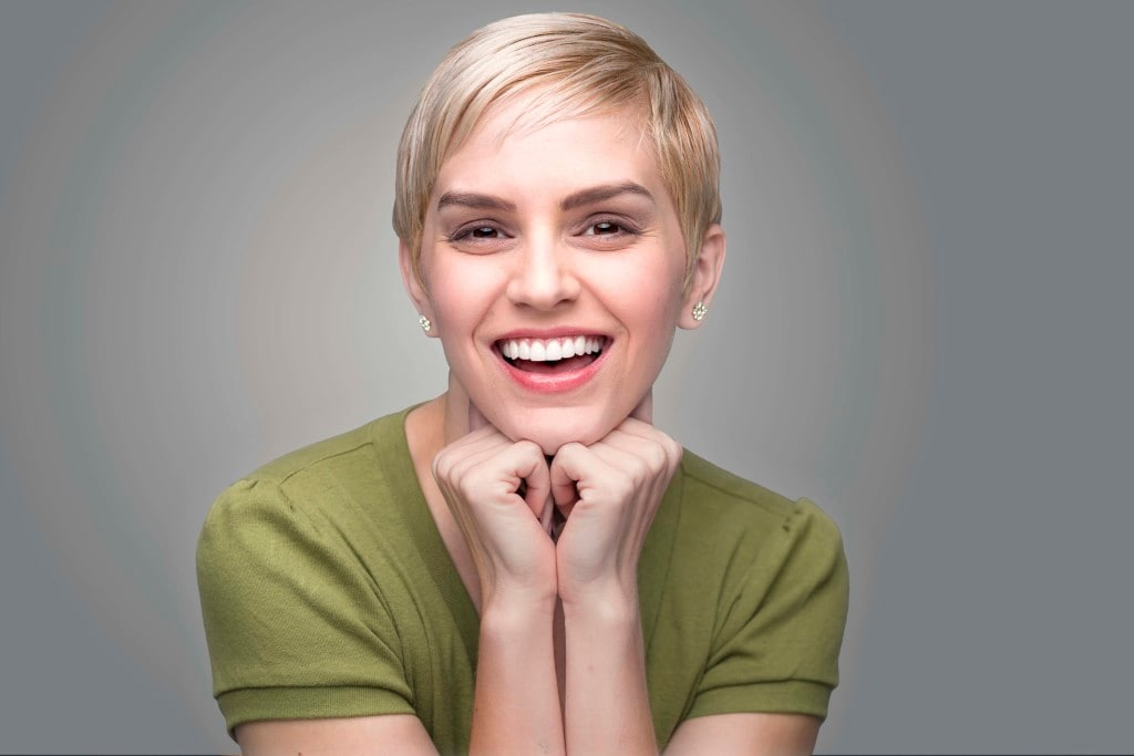 stylish short hairstyles with blonde color