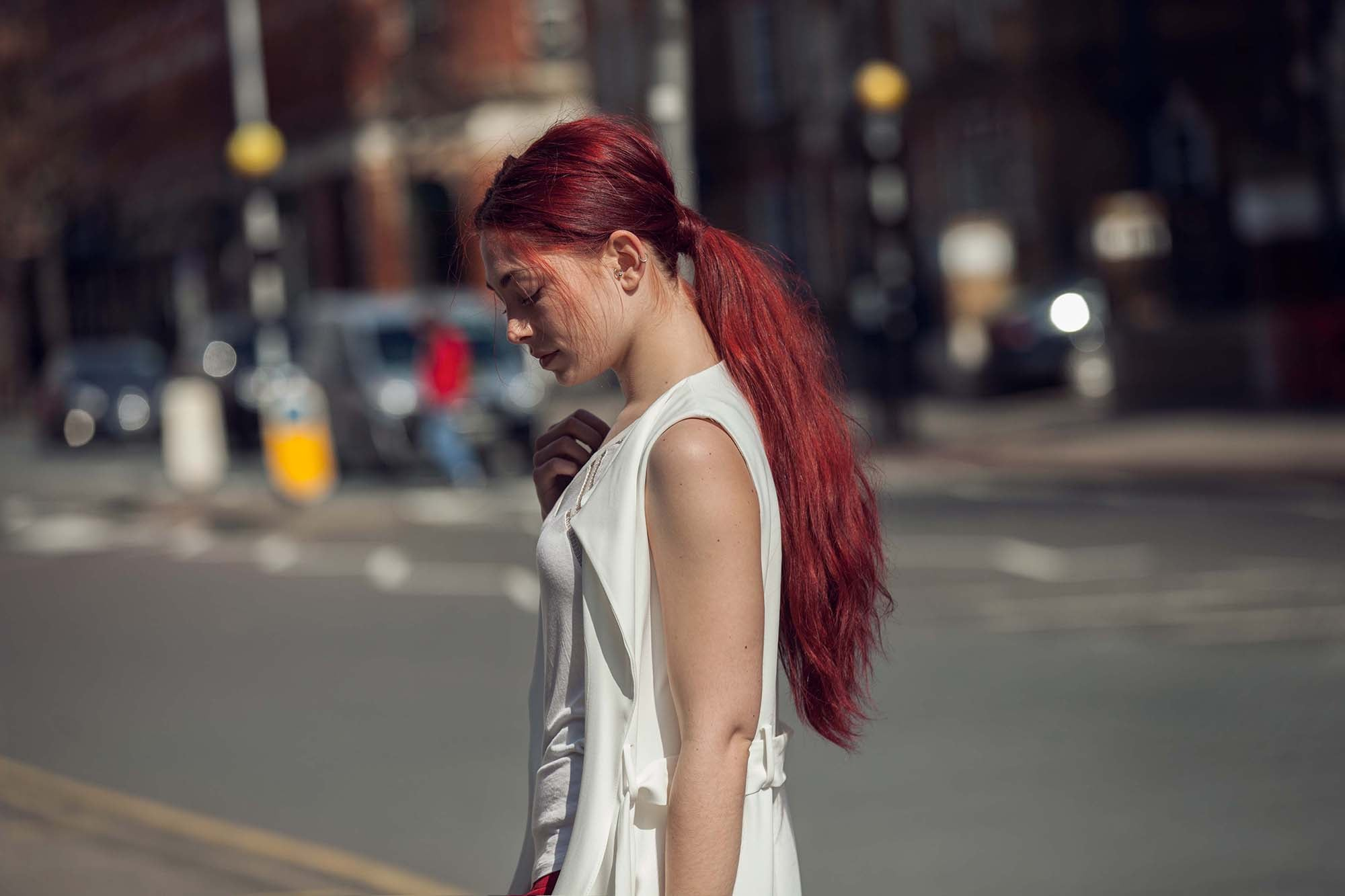 easy concert hairstyles red long ponytail