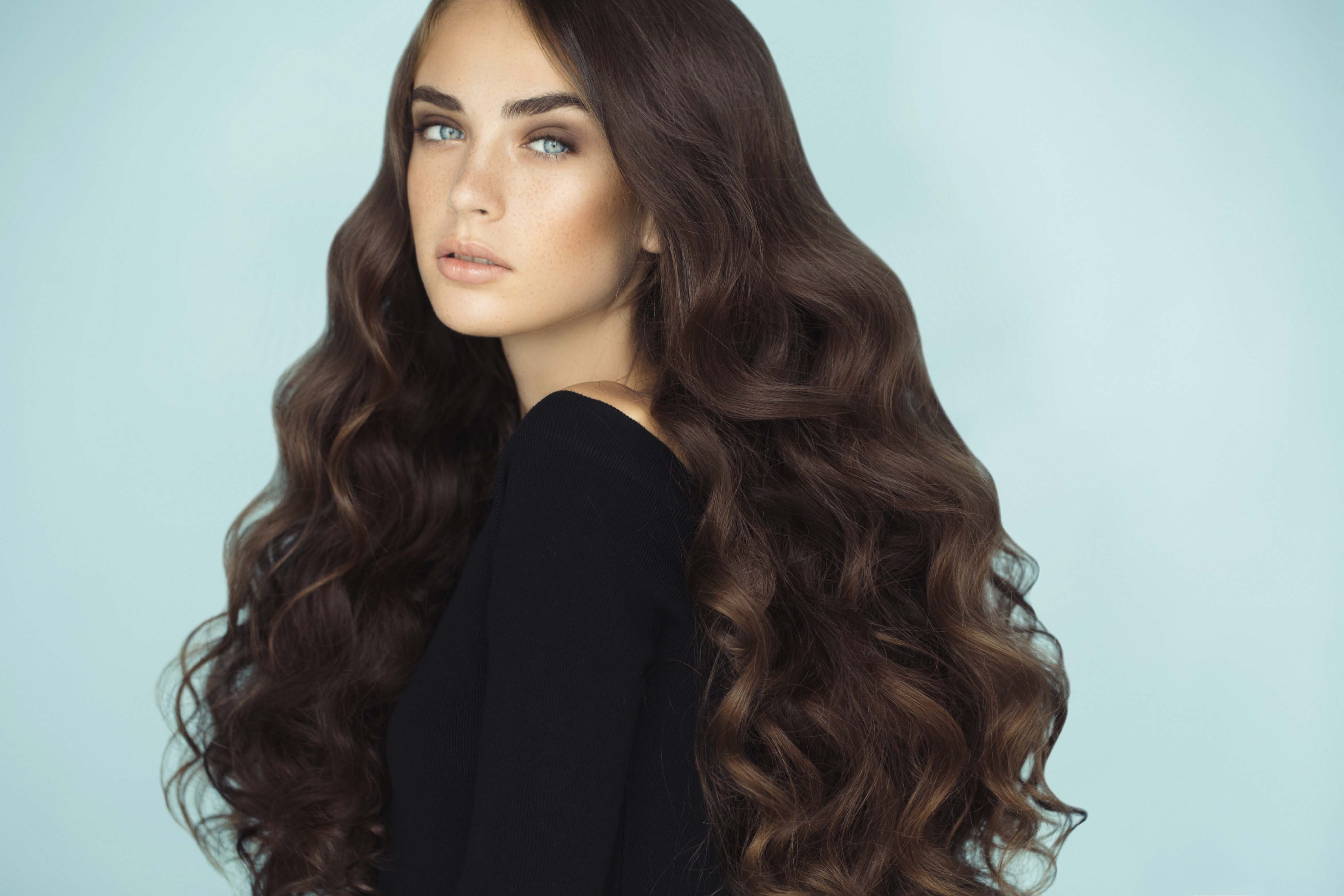 How to Get Thicker Hair Long Waves