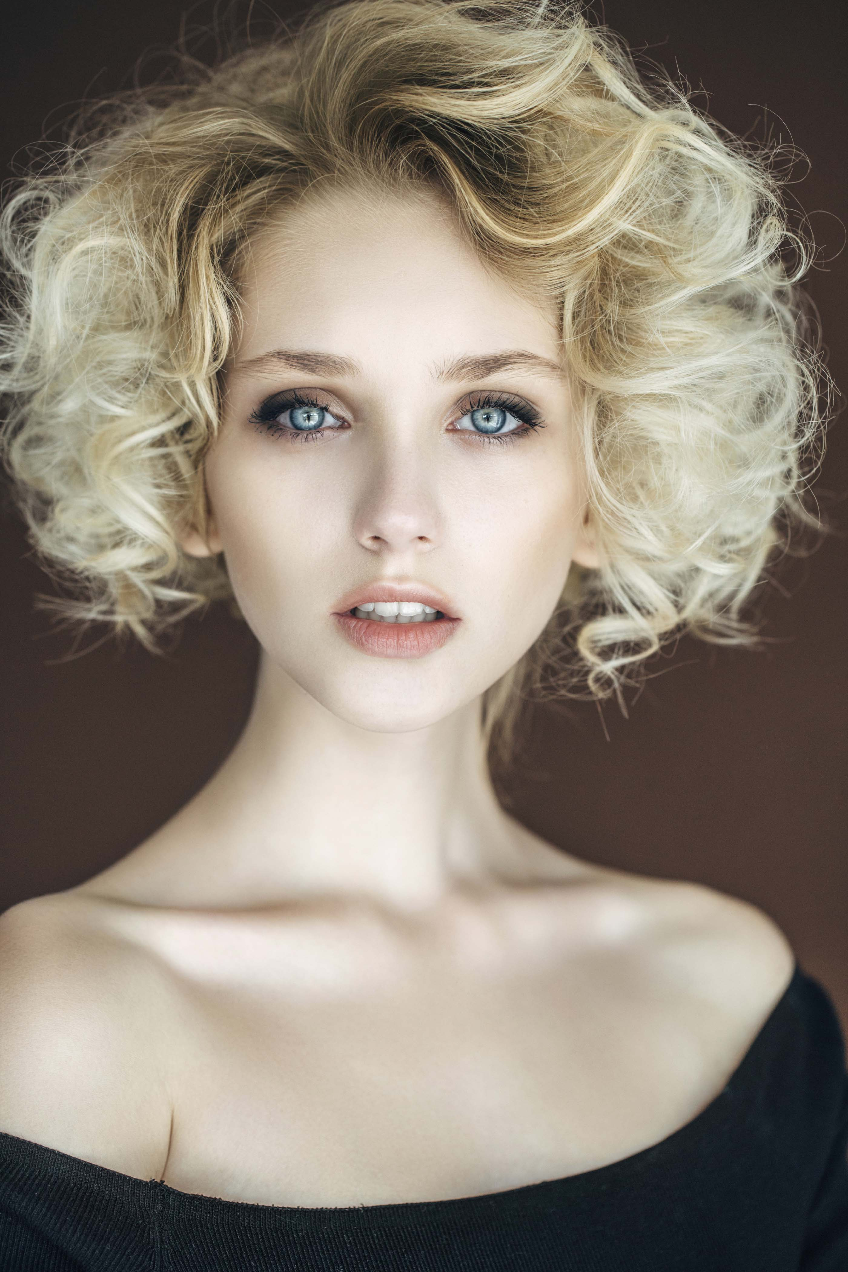 Wedding Hairstyles for Short Hair: Looks to Get You ...