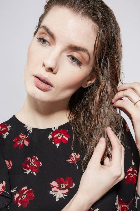 how to blow dry hair add straightening cream