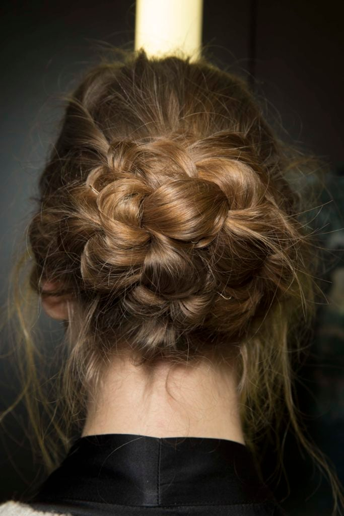 10 Absolutely Stunning Quinceañera Hairstyles We Love in 2019