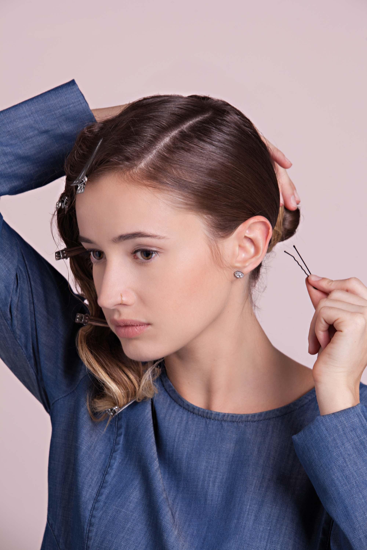 flapper hairstyles make bun