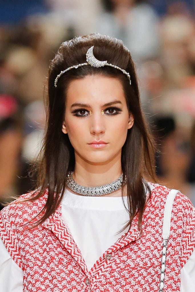 straight hairstyles long hair accessories