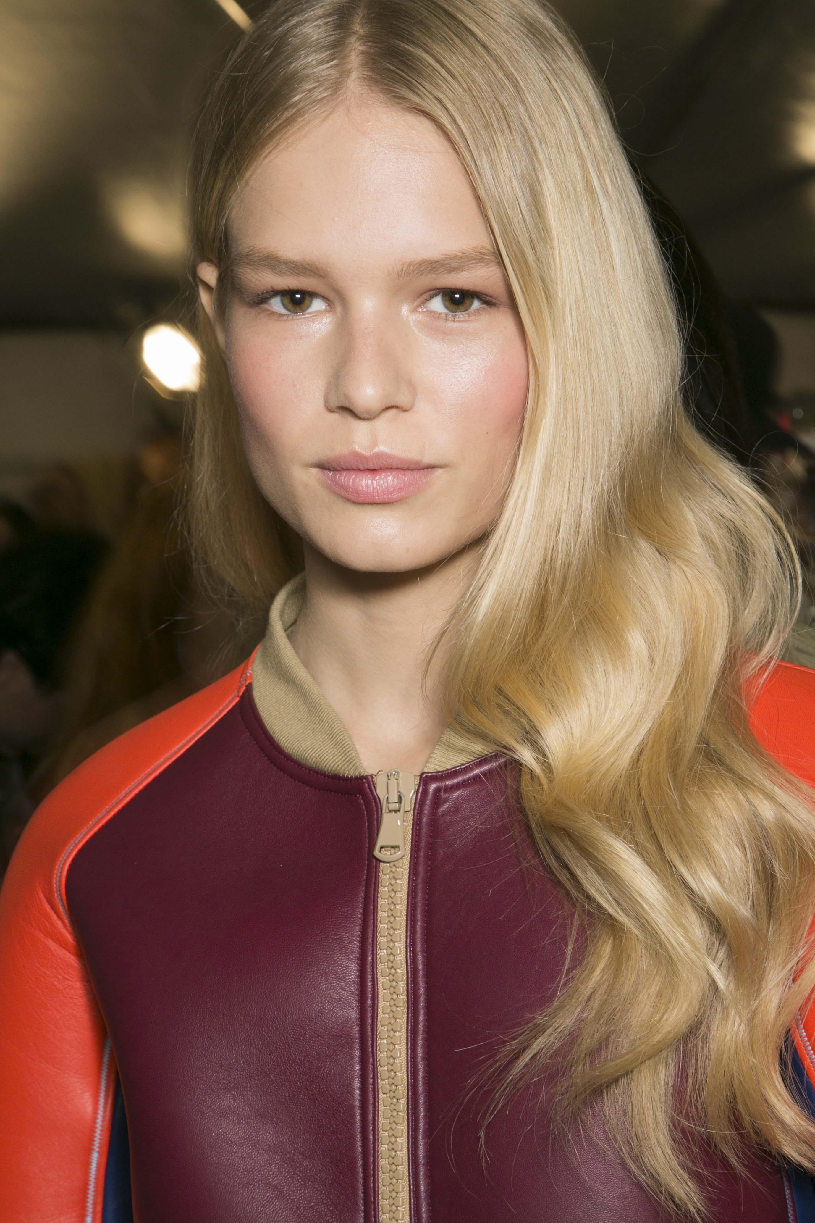 hair gloss treatments wavy blonde hair