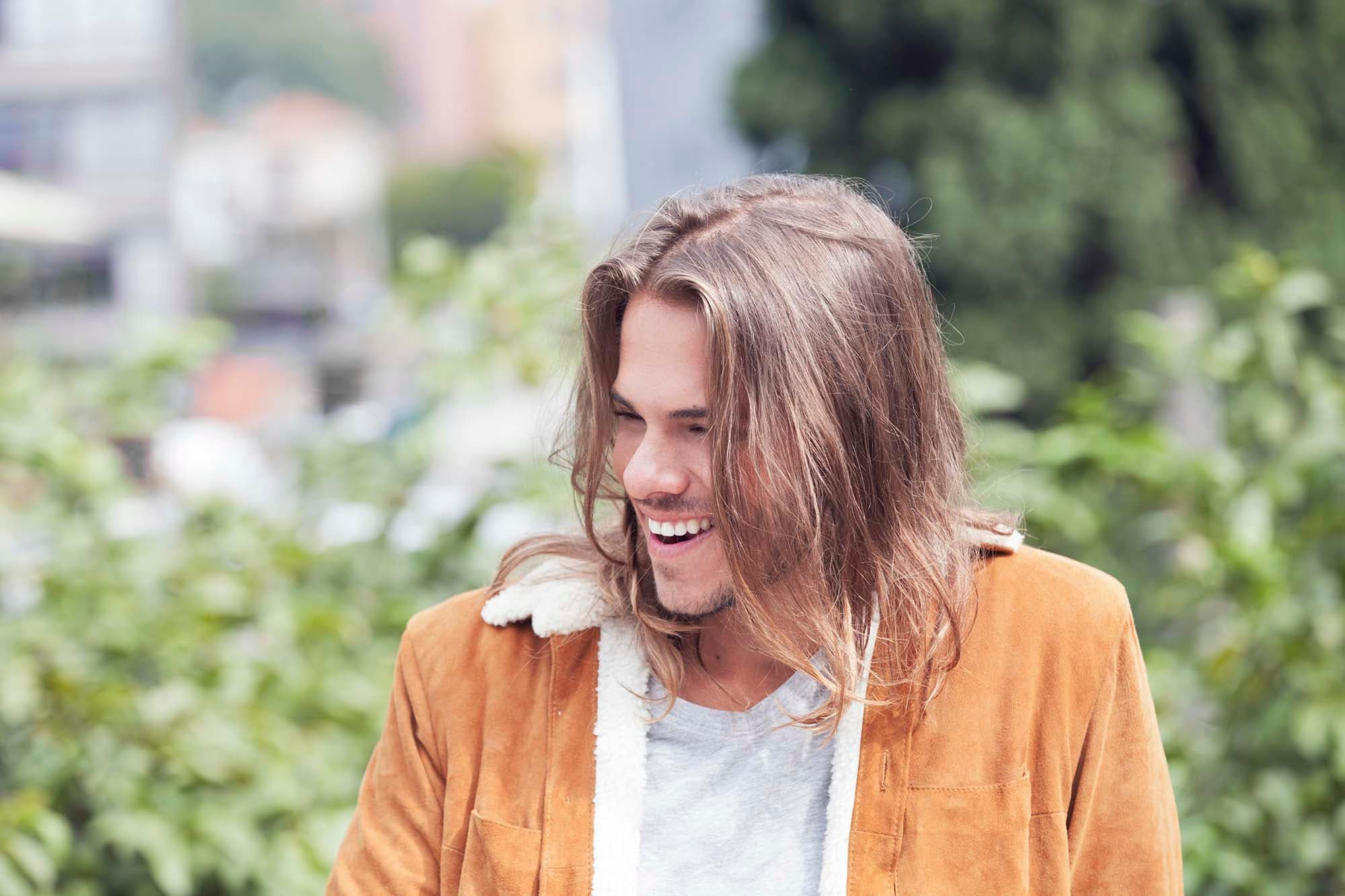 Guys With Long Hair A Grooming Guide All Things Hair Us