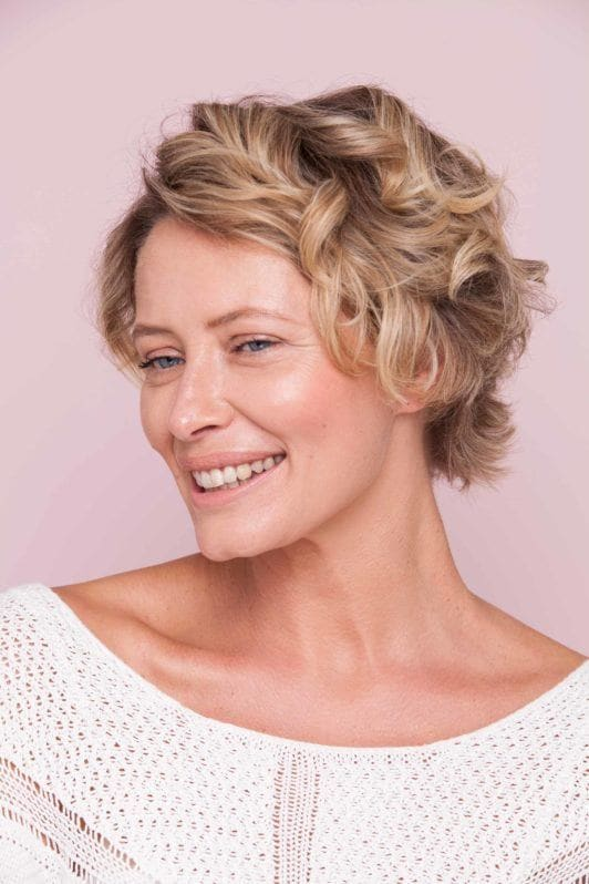 how to create curls in short hair add a headband