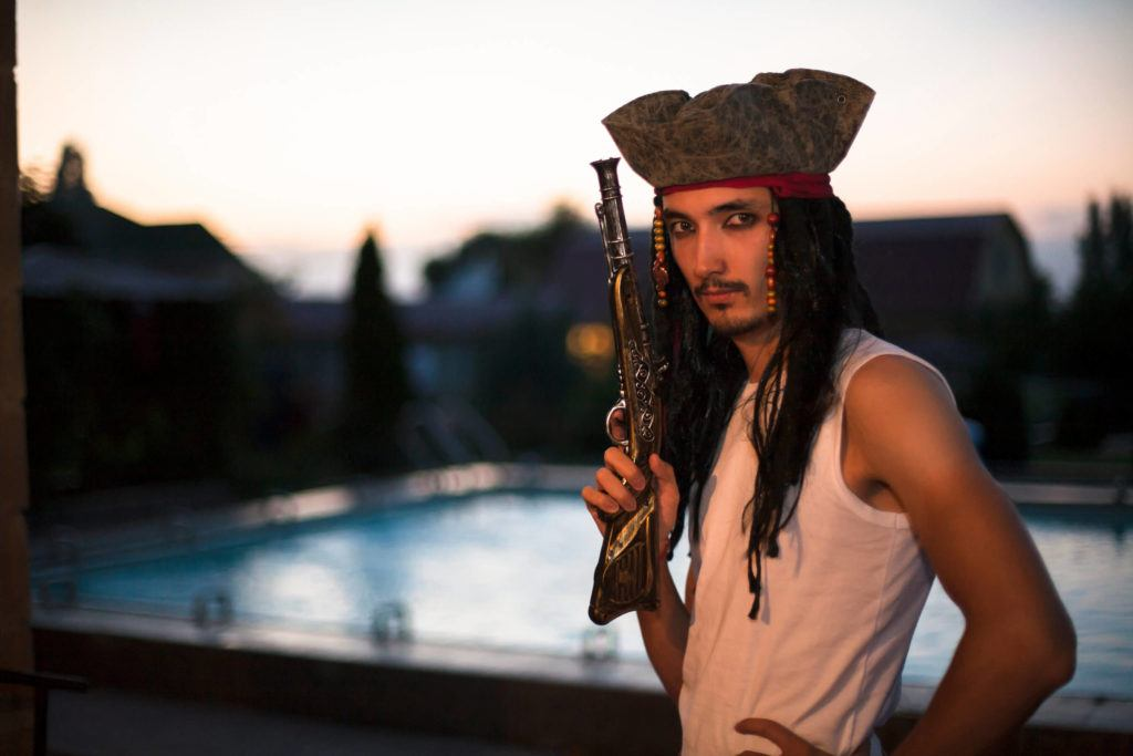 beard looks mustache pirate