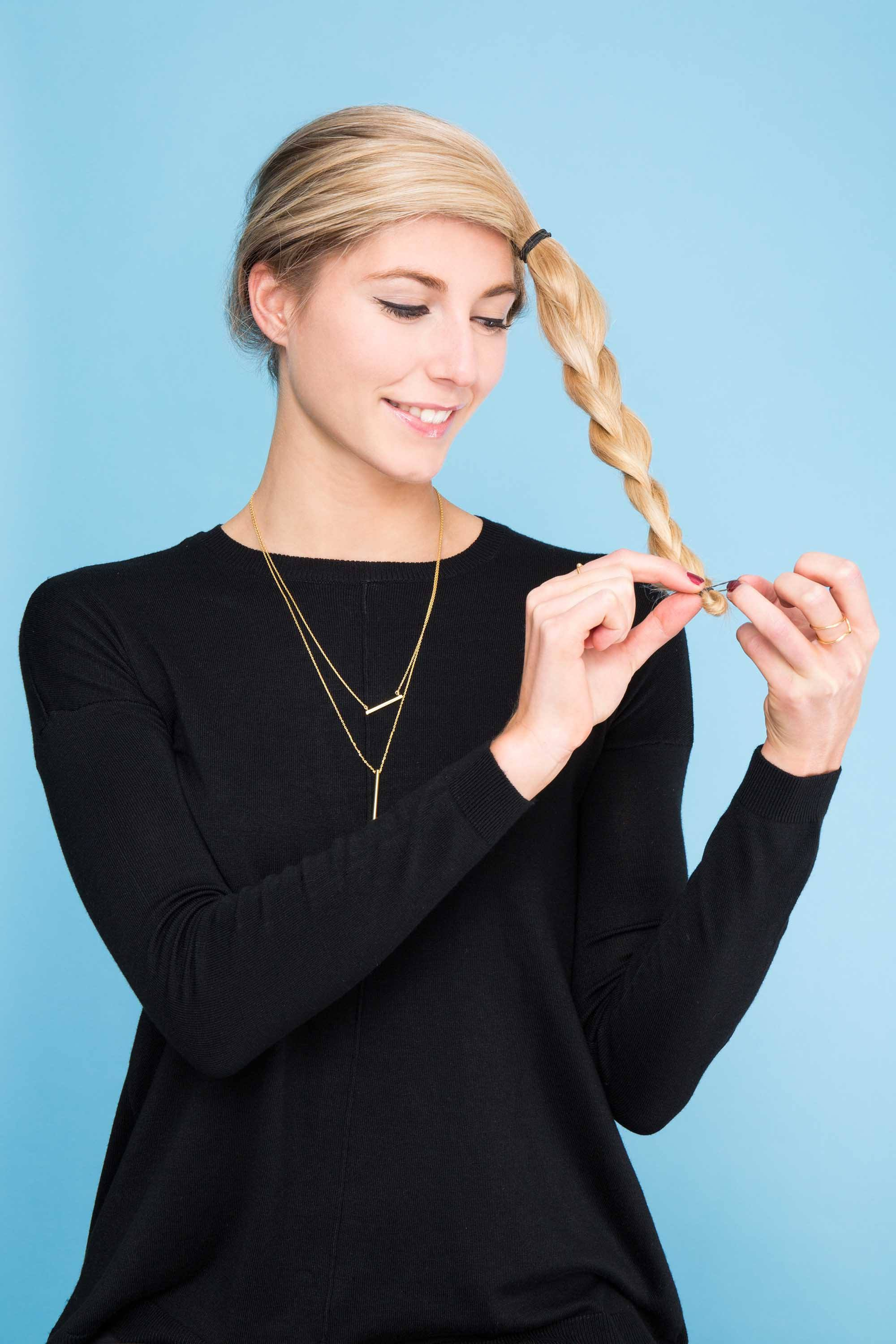 Tutorial: How to Make Easy Crown Braids