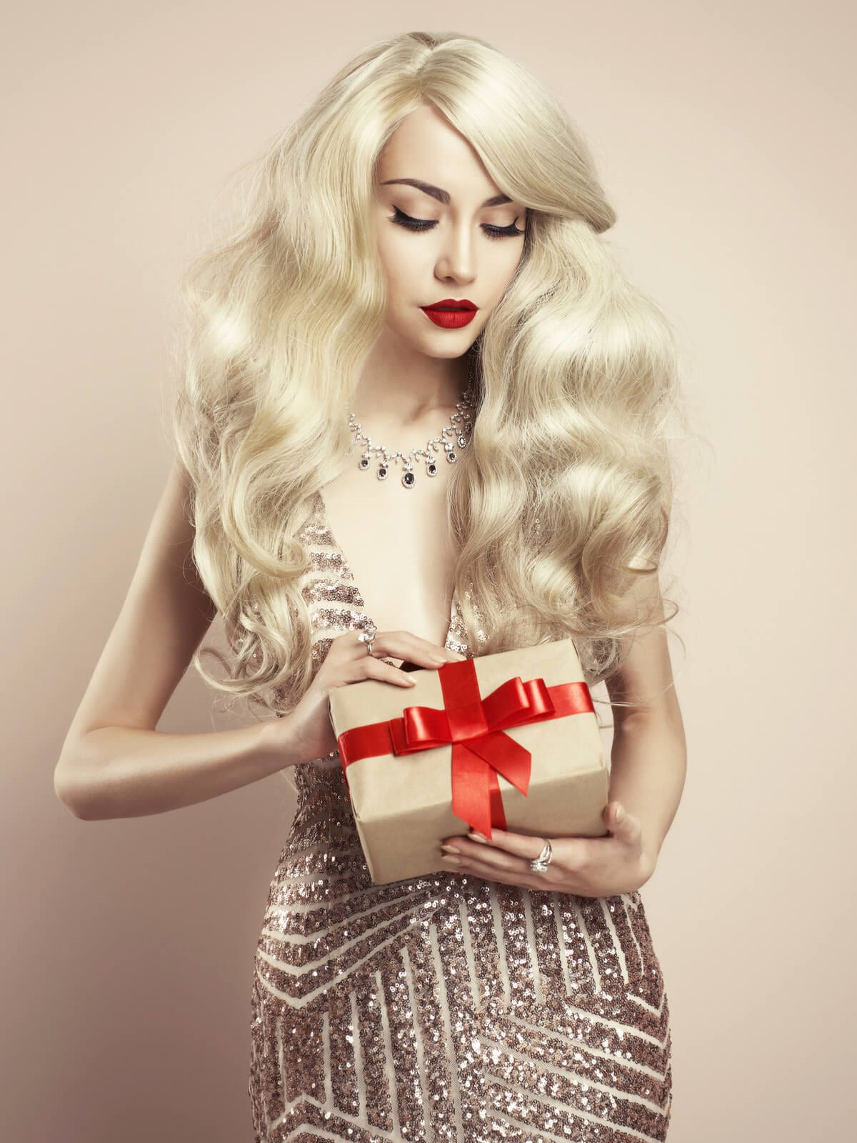 Gorgeous Holiday Hairstyles For Long Thick Hair