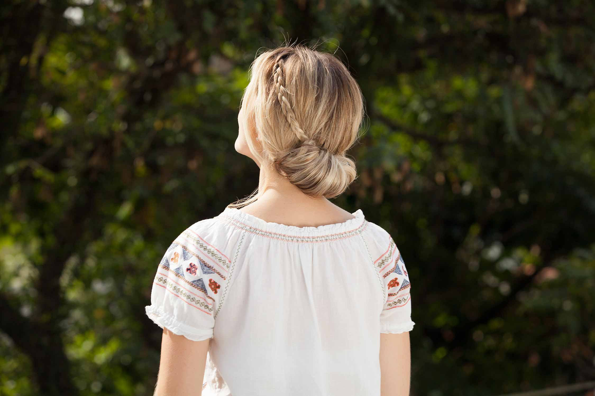 straight hairstyles for square faces updo