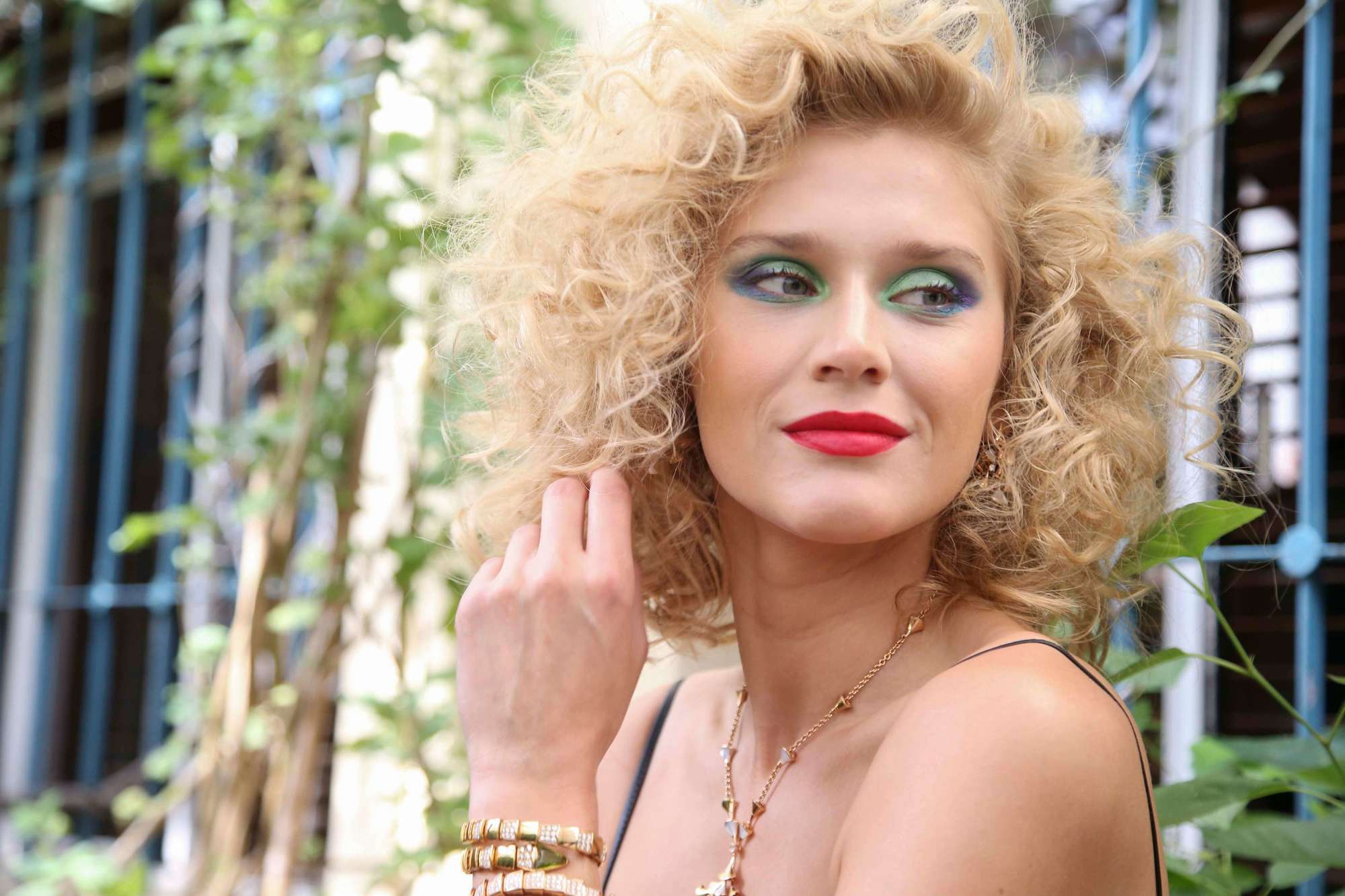 curly party hairstyles to wear this year, 80s volume