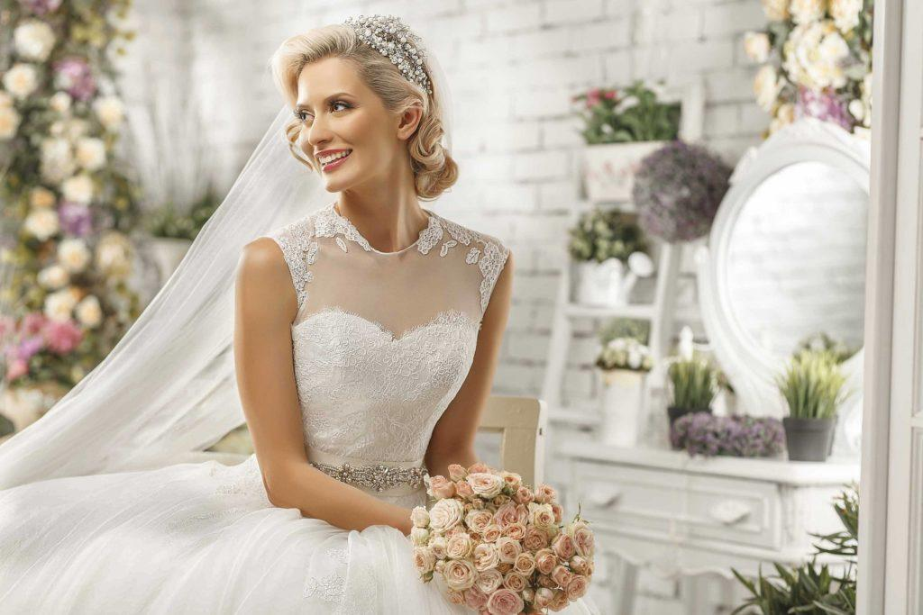 creating classic wedding hairstyles with updos