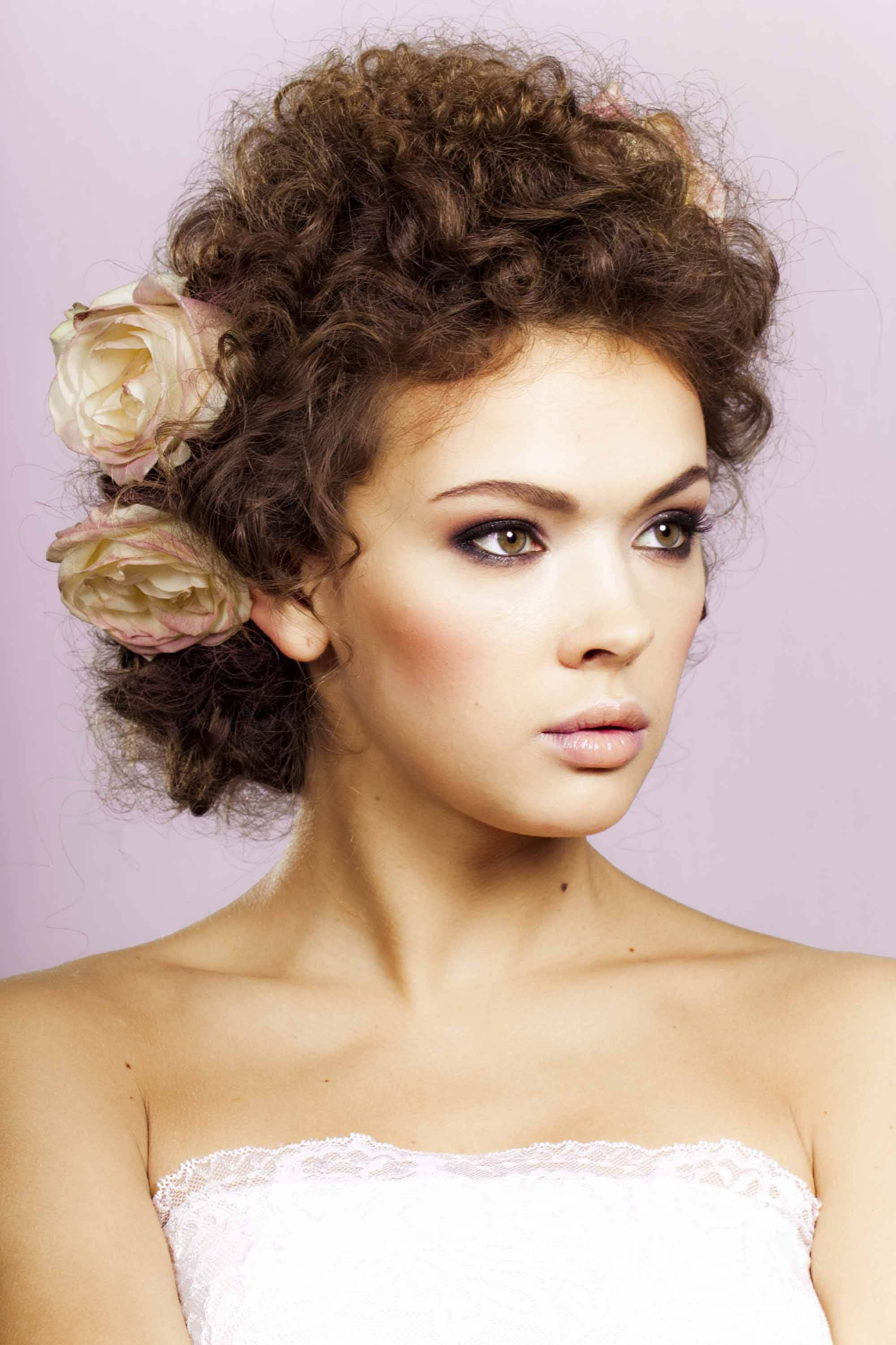 vintage hairstyles for curly hair chignon